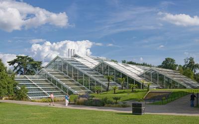"""Samowystarczalne budynki """"zeroenergetyczne"""", które magazynują i produkują energię"""